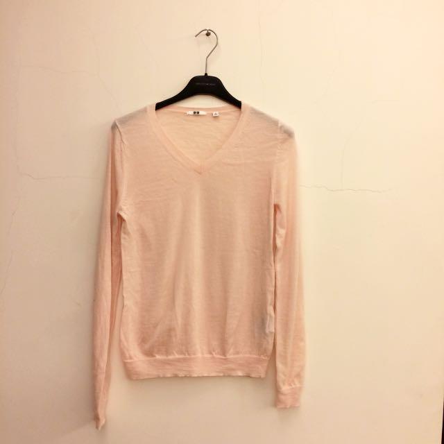 UNIQLO 超舒服V領針織粉色顯瘦上衣