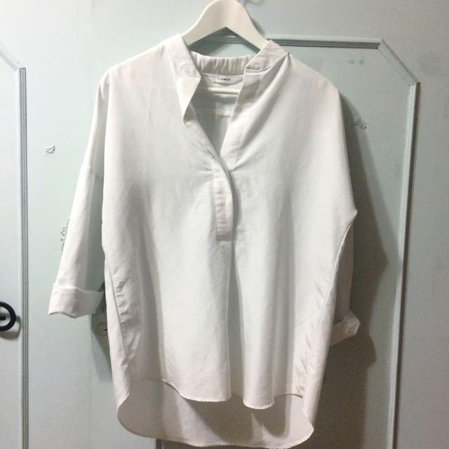 正韓-白色V領襯衫(含運)