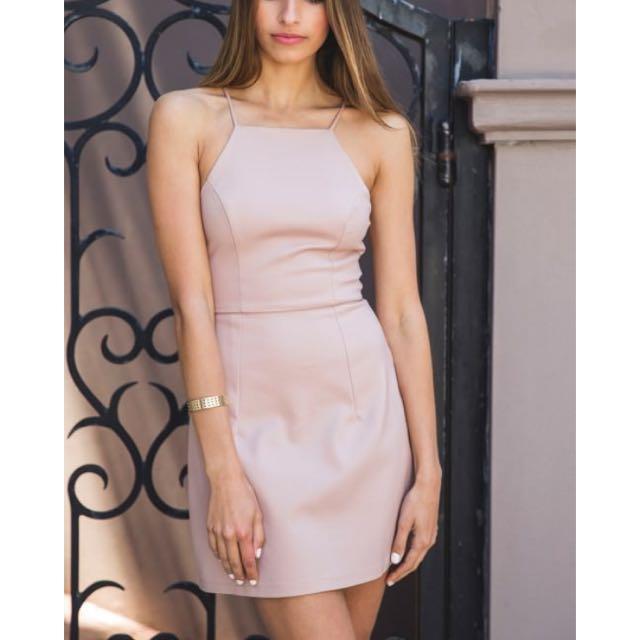 White fox boutique  ▪️Quartz dress