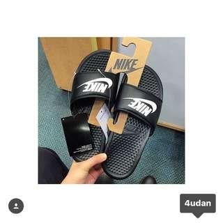 (售完)Nike拖鞋
