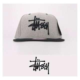 STUSSY LOGO 字體刺繡 WOOL 羊毛 灰色 SNAPBACK 棒球帽