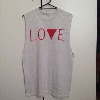 BNWT Love/hate  S/S Tee Size L