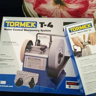 Tormek T4 Sharpening System With Square Edge Jig