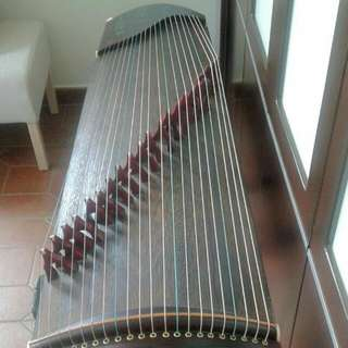 Second hand Guzheng 二手古箏 (stands included)