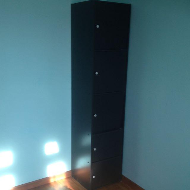 5 Doors Cabinet In Good Condition