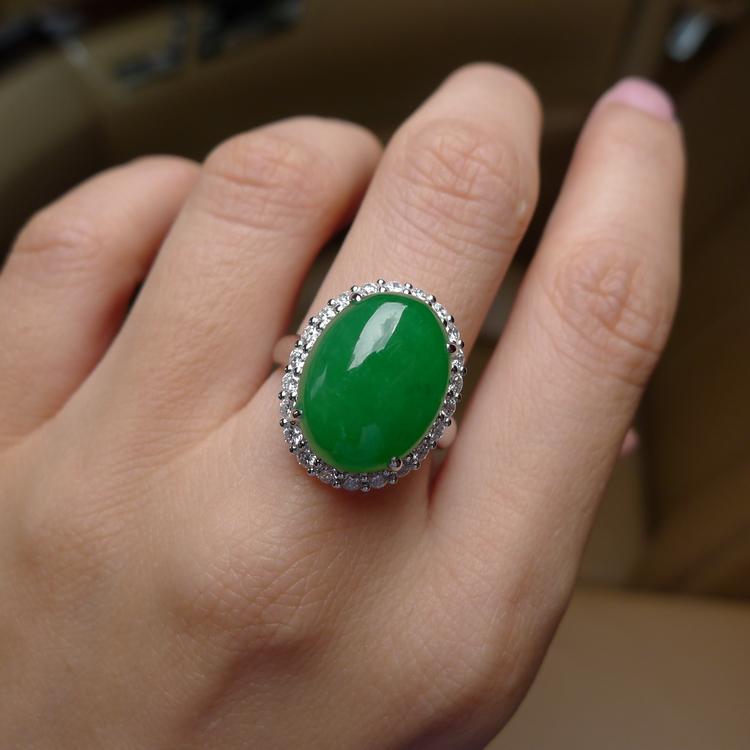 辣色滿綠鴿子蛋翡翠戒指 絕美 (已保留)