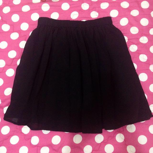 Black Gather Skirt - Rok Kerut Hitam