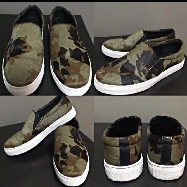 3beb9ebe658 Camo slip on   Vans Inspired   Loafers   US UK EU 34