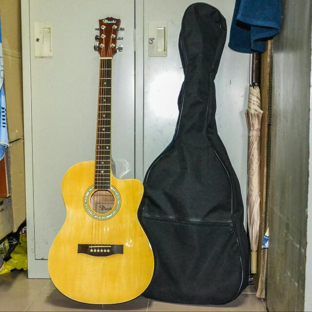 dachi acoustic guitar