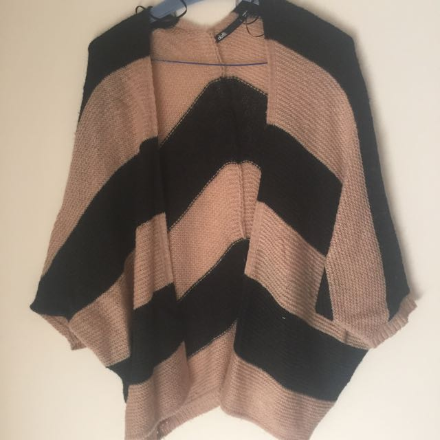 Ditto Stripe Shoulder Throw