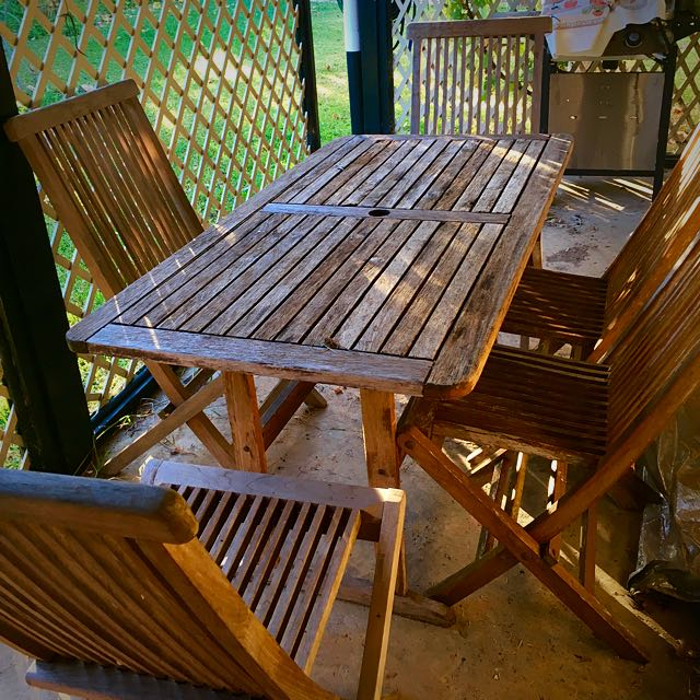 Outdoor Dining With 5 Chairs