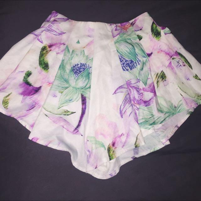 PRICE REDUCED! ❣ Floral Skirt/ Skort
