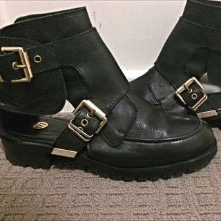 River Island Cut Out Black Boot