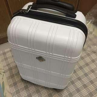 全新全白20吋登機箱