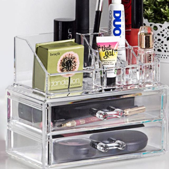 Reduced!! 11 Compartment Cosmetic Organizer