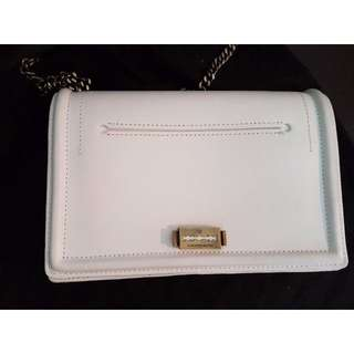 Alexander McQueen White Leather Bag With Chain