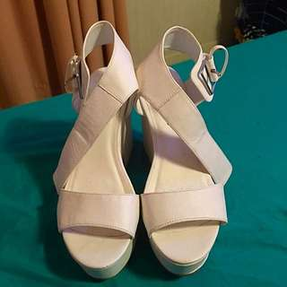 Pied A Terre White Heels , Size 10