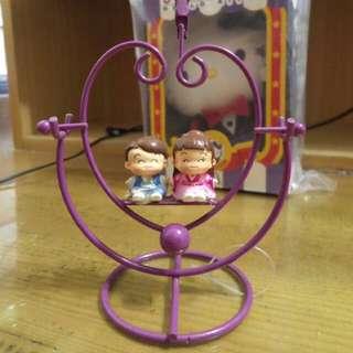 紫色愛心造型情侶搖擺名片夾桌飾擺飾