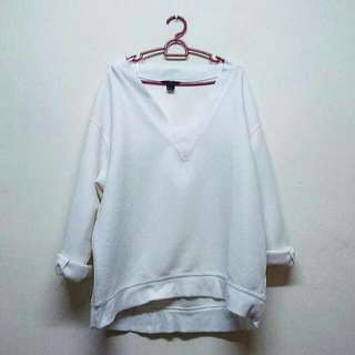🆕H&M White Sweatshirt