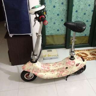 E-scooter (pre-loved)