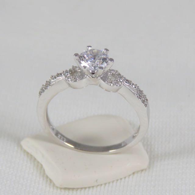 925純銀 豪華鋯石戒指(12月誕生石)