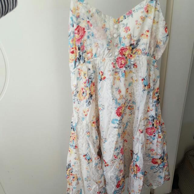Flowery Dress Fits Size 4 & 6