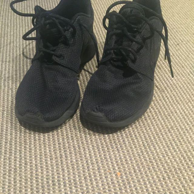 Nike Roshe Run Size 6/EU37