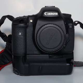Canon 7D perfect condition with grip