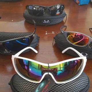 $50 For The Lot Oaxley Sunglasses New Never Worn