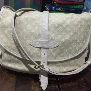 Price Reduced.. Authentic LV Mini Samur 2 Way Sling Bag