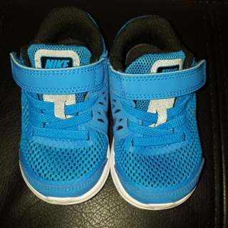 Toddler Authentic NIKE shoes Size 5C (11cm)