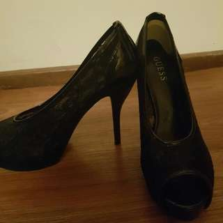 Guess Size 8