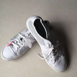 Lacoste白色限量休閒鞋(USA8.5號)男穿!