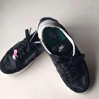 Nike男用黑色帆布面運動休閒鞋(USA 8.5號)