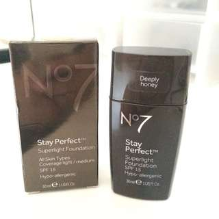No7 Stay Perfect Superlight Foundation 30ml