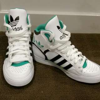 Green And White Addidas High Tops SIZE UK 5