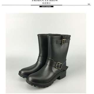 全新現貨39號 歐美騎士靴釦環雨靴中筒黑 hunter可參考