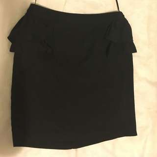 Elly M size 10 Skirt (sheer Outer Layer)