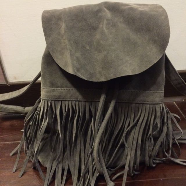 流蘇麂皮灰色後背包