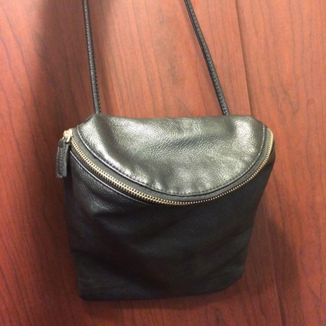 黑色半圓小包