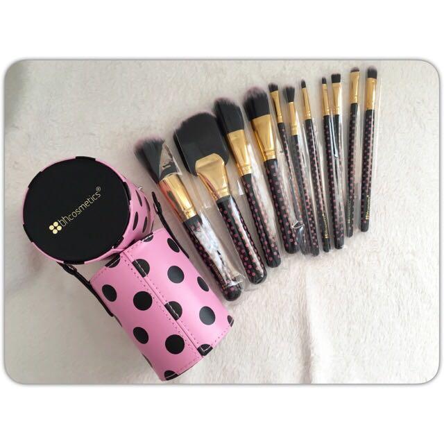 8059db617135 BH Cosmetics - 11 Pcs Pink-A-Dot Brush Set