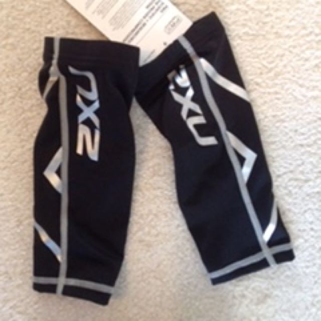 Brand new 2XU Compression Calf Guards