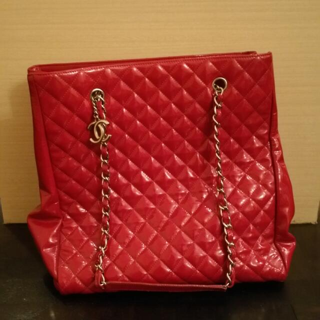 e5dbfb361cd7 Chanel Red Sling Bag, Men's Fashion, Bags & Wallets on Carousell