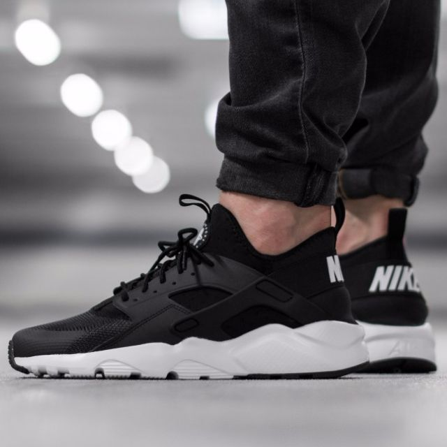 online for sale on wholesale los angeles New: Nike Air Huarache Ultra Run, Women's Fashion on Carousell