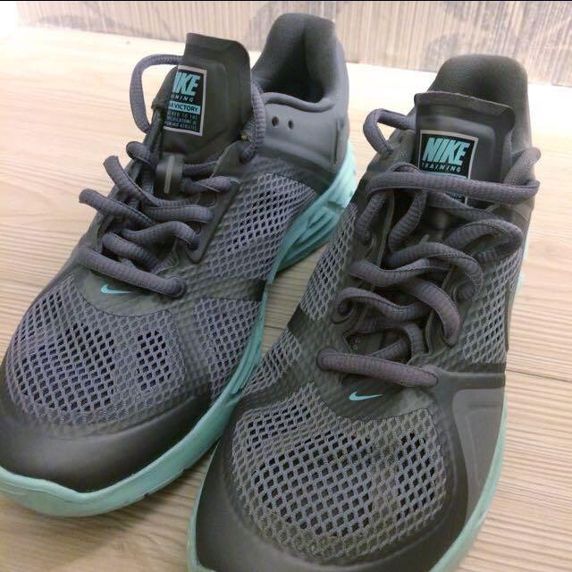 Nike 運動鞋 灰綠