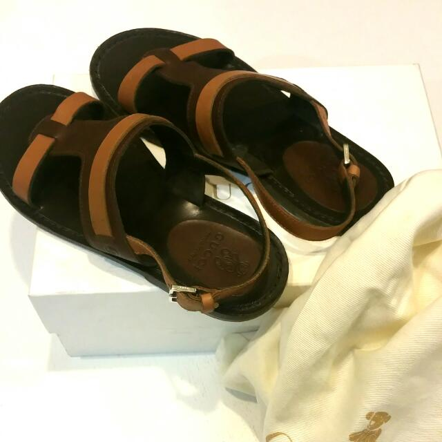 bde694e2d0cd6 Original Gucci Kids Sandals Size 32