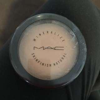 MAC Mineralise Skin Finish Bronzer In Medium Dark