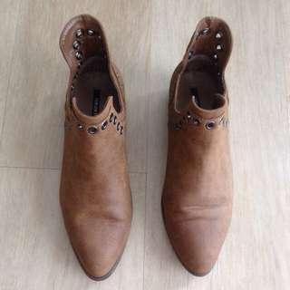 SALE !! F21 Brown Cowboy Boots