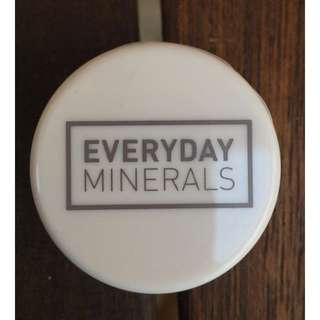 NEW - Everyday Minerals - Mineral powder Concealer (FAIRLY LIGHT)
