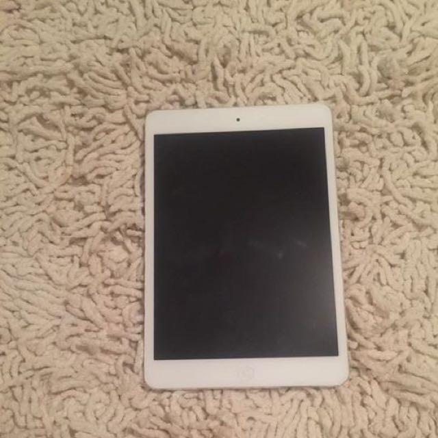 16g Silver iPad Mini